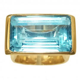 Yellow gold ring 750 Rectangular Aquamarine 15cts